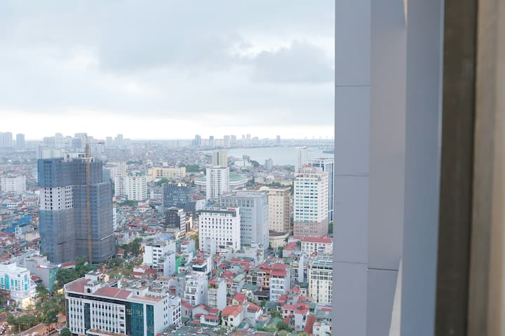 Vimhomes metropolis near Lotte 2BR