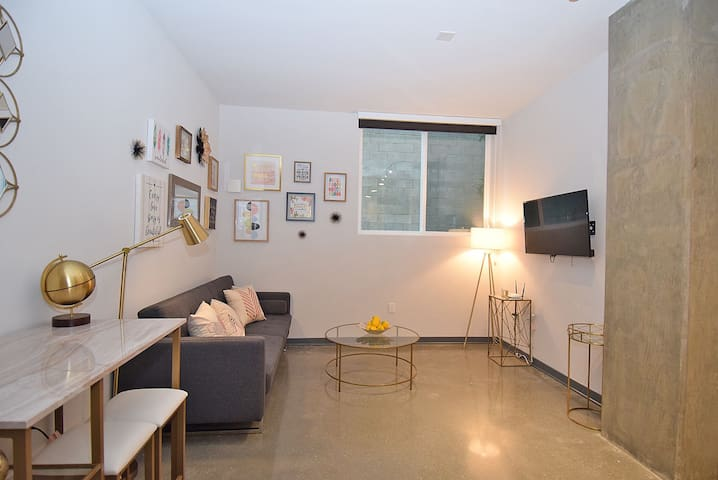 Lovely Loft space near Central Hot Spots 2