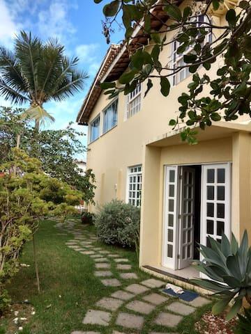 Suite, casa linda, praia paradisíaca café da manhã