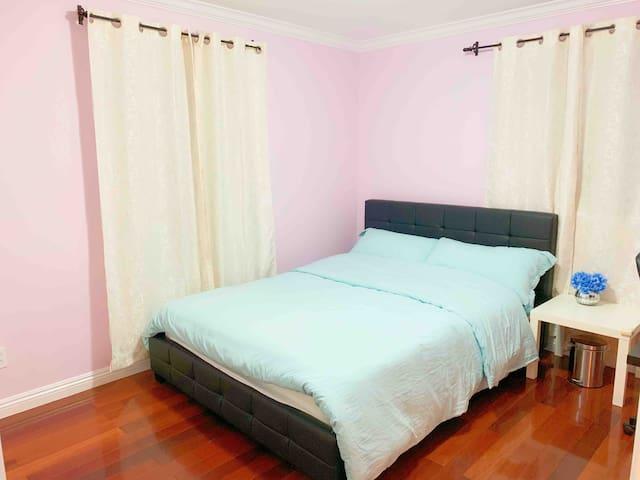 Home of Christian-Single Room 02 (基督徒之家-2号房)