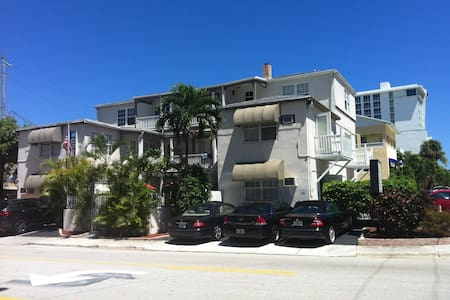 1BR apt on fort lauderdale beach, wifi, tv, office - Fort Lauderdale - Pis
