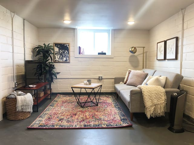 Cozy Apartment just south of Ingersoll