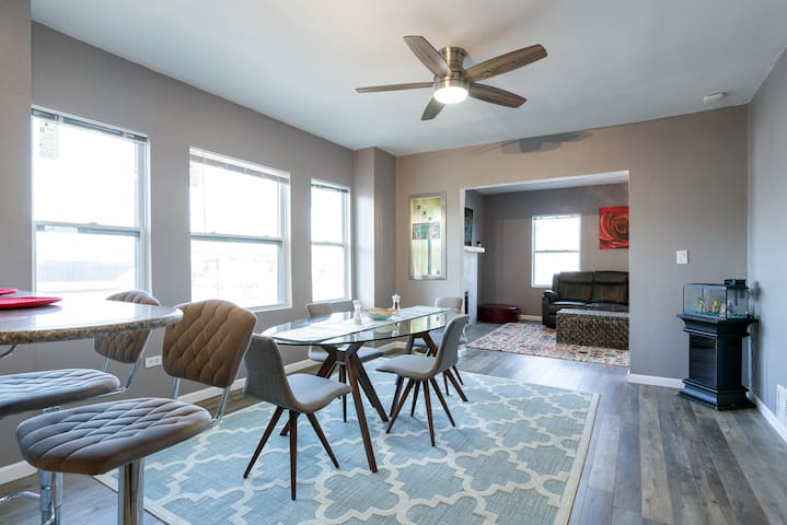Modern apartment in the heart of the Westport!