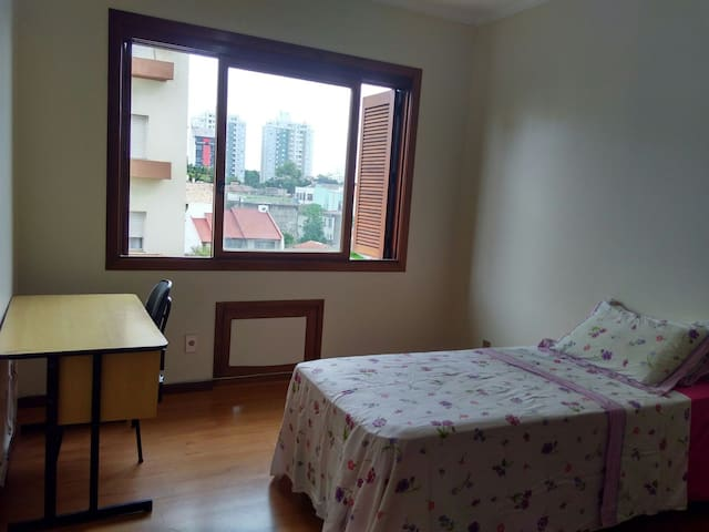 Belo quarto na cidade de Canoas - canoas - Wohnung