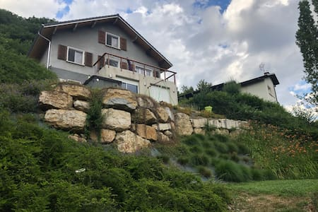 Maison au paradis, jacuzzi, accès rivière etc
