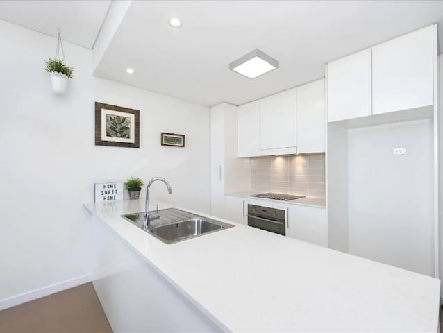 Welcome home - executive sunlit Canberra apartment