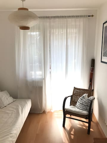 "Cozy room near ""rote Flora"""