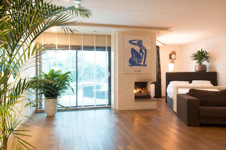 Amazing Beautiful Romantic Fully Equipped House... - Amsterdam-Zuidoost