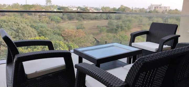 LUXURIOUS APARTMENT WITH BEST AMINITIES