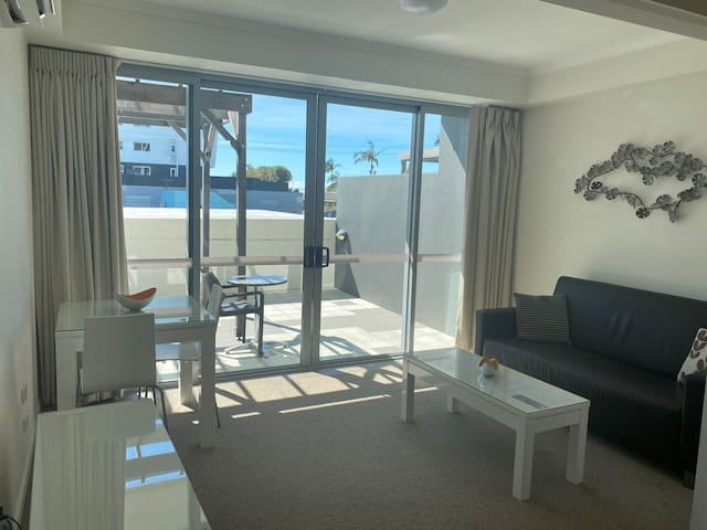 Private and Modern One Bedroom Apartment