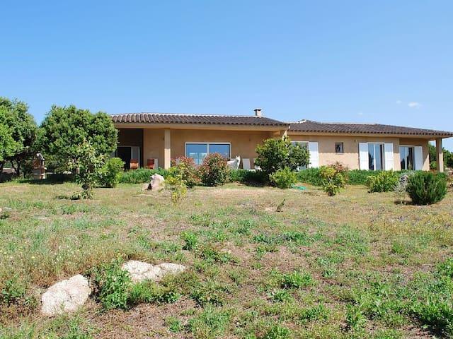 Vaste villa en bord de mer - Pianottoli-Caldarello - Casa