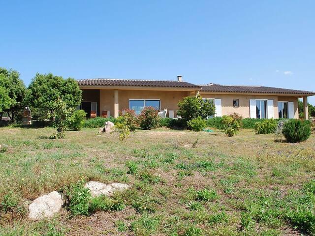 Vaste villa en bord de mer - Pianottoli-Caldarello - Hus