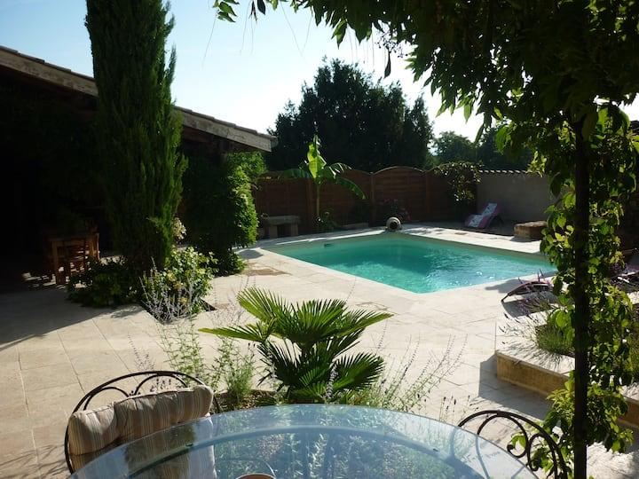 Beaujolais. Maison avec piscine proche de Lyon.