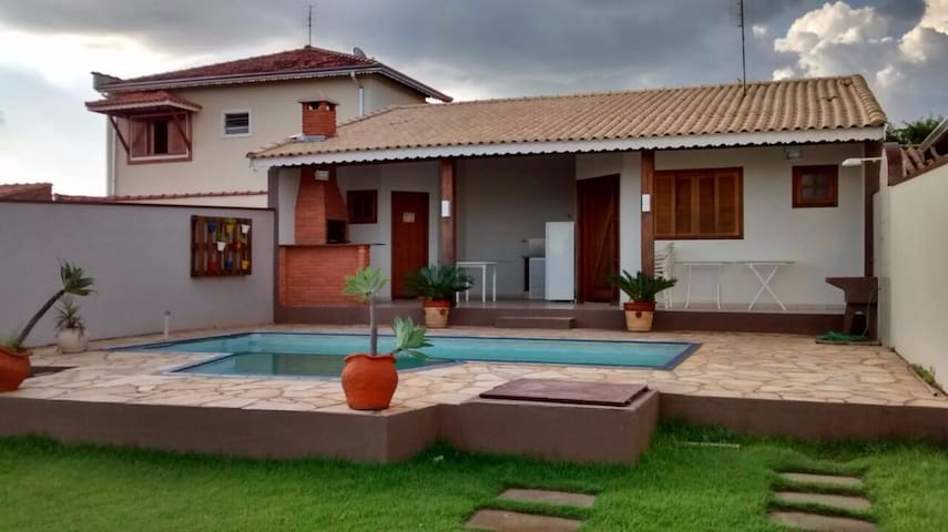 Local ideal para relaxar com a família ou sozinho - São Pedro - Dom