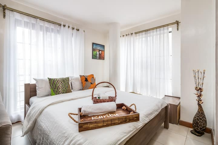 Karibu Home | Comfy King bed, Free wifi, Near CBD