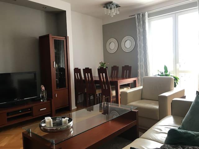 Apartament Centrum Gdynia - 300 m do morza