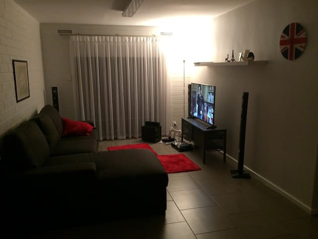 Great home to explore Adelaide from... - Stepney - Apartment
