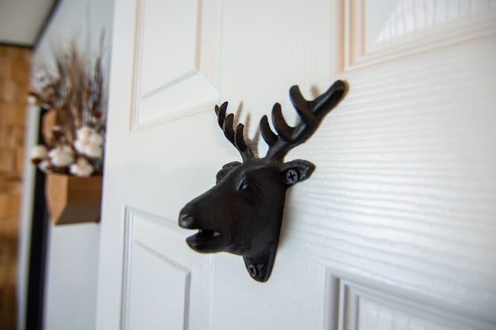 """""""The Deer Room"""" - Master Bedroom"""
