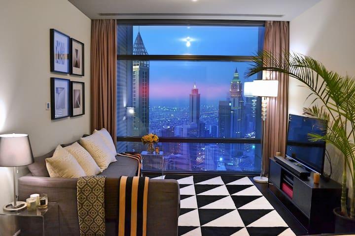 Luxury apartment next to Burj Khalifa