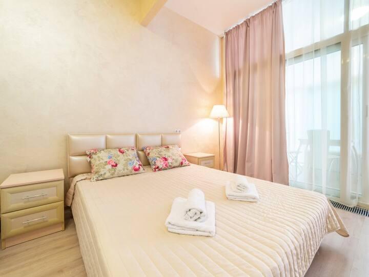 Deluxe Apartment in Catherine Quarter 103