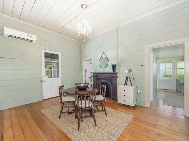 Beautiful 100 year old Queenslander - Ipswich - Casa