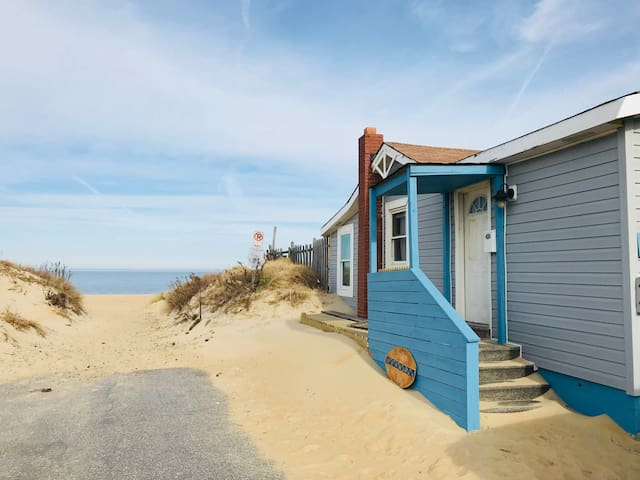 The SeaWard Cottage; Sitting On The Sand
