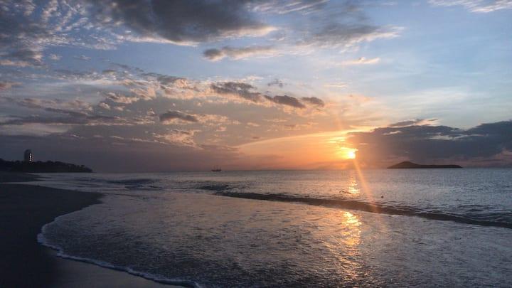 BEACH   FRONT   LOFT