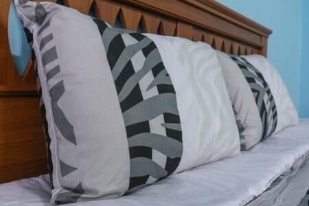 Spacious and Cozy Master Bedroom - KLANG