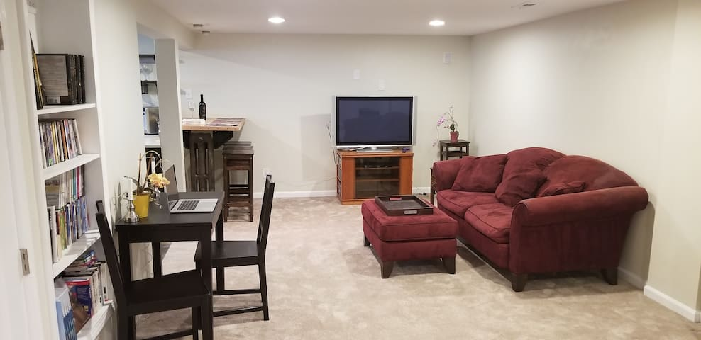 ~700+ sq ft of space to stretch out and relax or work - USB outlets, WiFi.  Large DVD movie collection or use your Netflix account on Smart TV.