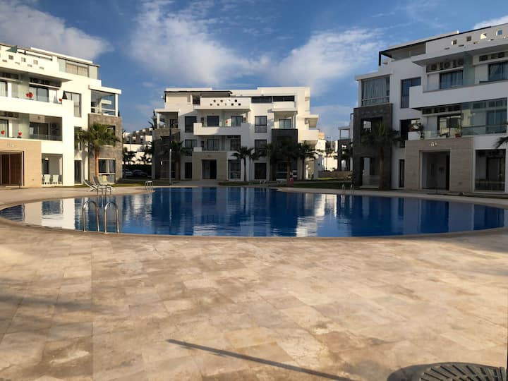 Hevirnage apartment pool&plage