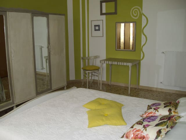 "B&B ""CARRU DE AMMENTOS"" - Ozieri - Bed & Breakfast"
