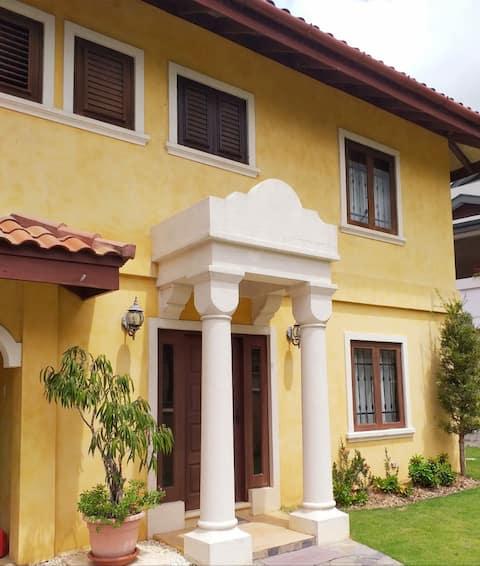 Moka Villa Style Duplex/Townhouse/3 Meals incl.