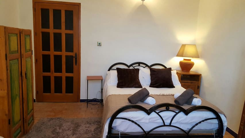Chambre familiale 1 couple 2enfants - Iznájar - ที่พักพร้อมอาหารเช้า