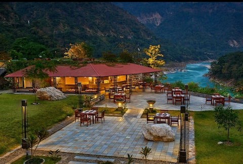 Aloha Rishikesh Room with Fabulous Ganga View!!