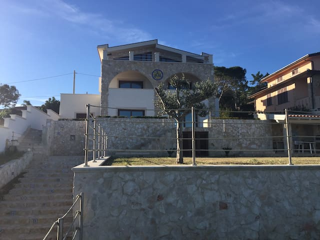 Green apartment in villa by the sea - Brucoli - Apartment