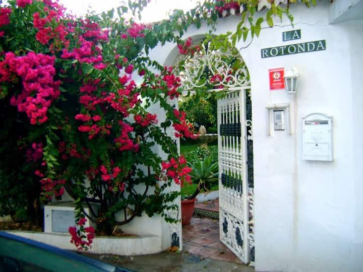 """""""La Rotonda"""" Villa, private heated pool , WiFi"""