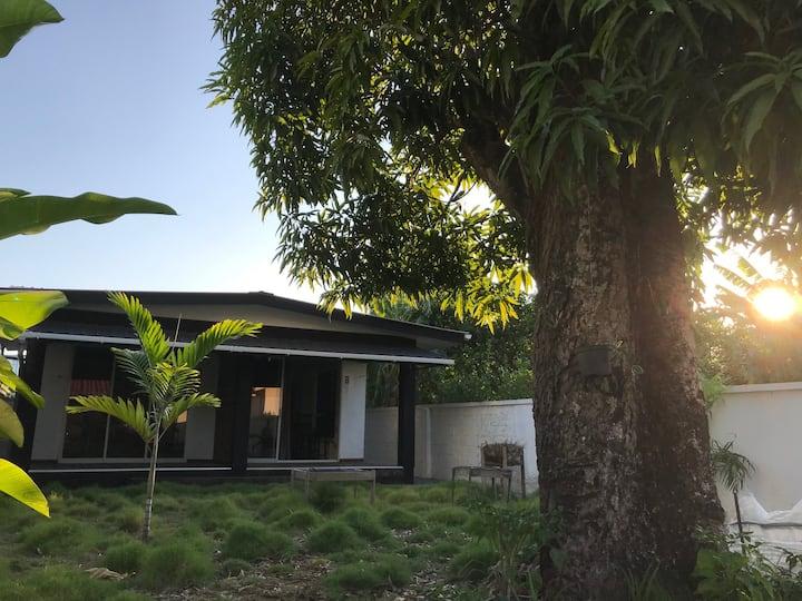 Stijlvol appartement 8 + tuin in hartje Paramaribo
