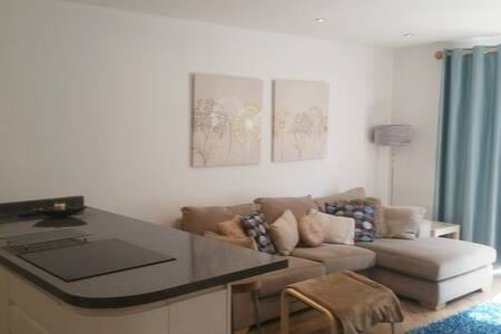 Modern 1 Bed Apartment in Frodsham