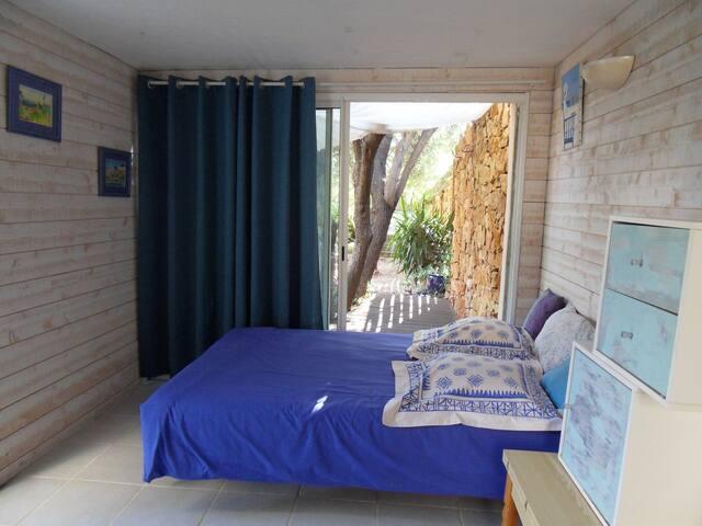 petite habitation  plein sud  à 10 mn de la mer - Bandol - Bungalow