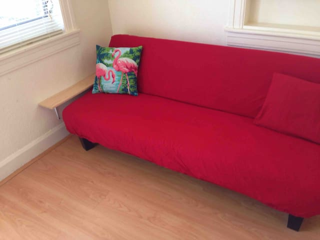 Futon in LR/ Kitchenette could be used as 4th Bed. Futon sleeps 1 guest, if needed.