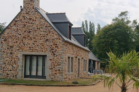 Plouha Maison avec vue sur chapelle classée