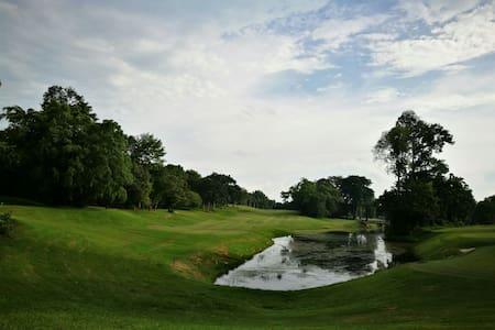 Cozy house in Tiara Golf course - Melaka, Melaka, MY - Leilighet