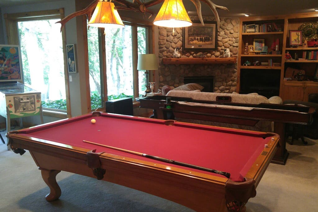 Pool Table/Fireplace