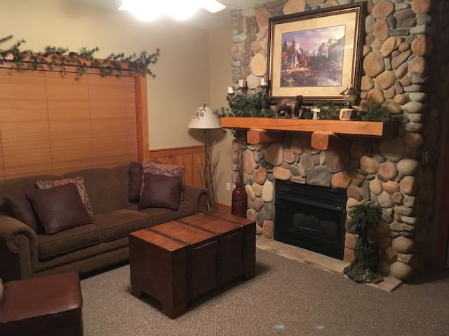 Comfy Cabin in the center of Branson