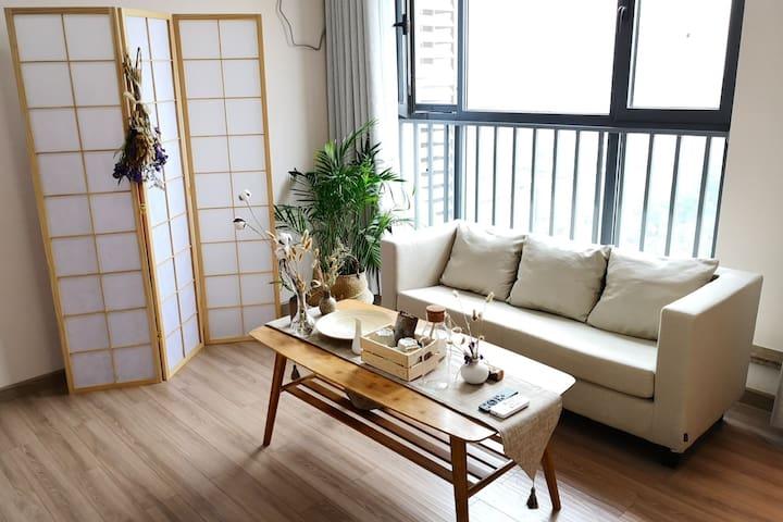 『S Club』超美落地窗公寓,近安远门地铁口/钟楼/火车站/龙首原一室一厅舒适4号房