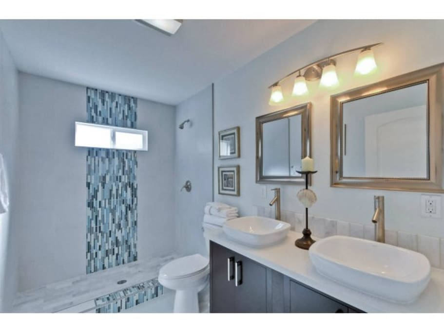 Private Bath w/ Dual Vanities