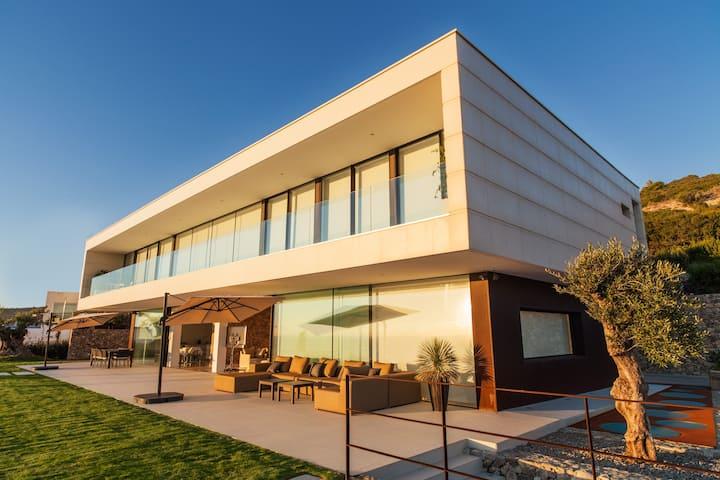 Villa de lujo con vistas panorámicas al mar Zahara