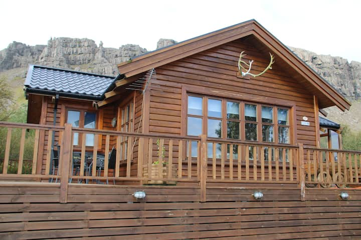 Arnarlundur - Friendly cottage