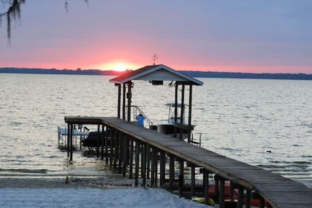 Lakefront w/Pool, 5 Bedrooms & Amazing Sunsets - Ocklawaha - Ház