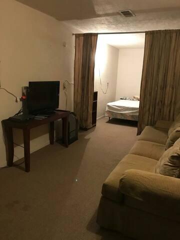 Quite private detached apartment